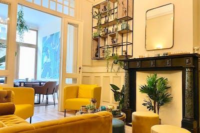 Warm & Comfortable House w/ Backyard Deck  - Gallery -  1