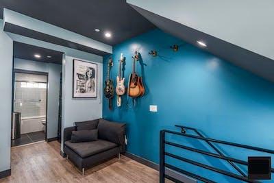 Stunning Modern House - Incl. Creative Studios + Terrace  - Gallery -  1