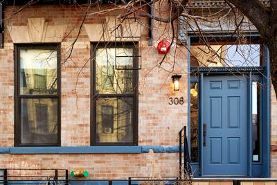 Exclusive & Classic Designed Apt. - Incl. Common Room + Rear Yard Deck