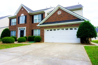 Spacious Two Story Home w/ Back Porch