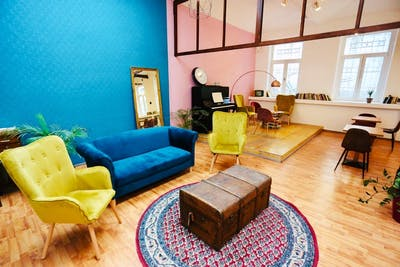 Chic Styled Apt. - Incl. Coworking