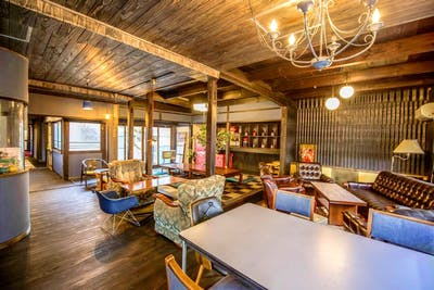 Traditional Styled House  - Incl. Coworking + Manga Room + Bar