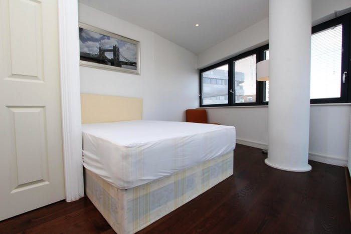 Unique double bedroom, with private balcony, in trendy Greenwich  - Gallery -  4