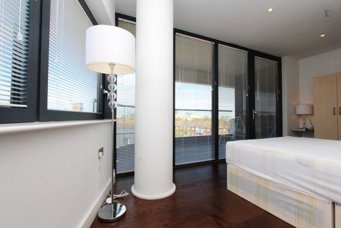 Unique double bedroom, with private balcony, in trendy Greenwich  - Gallery -  3