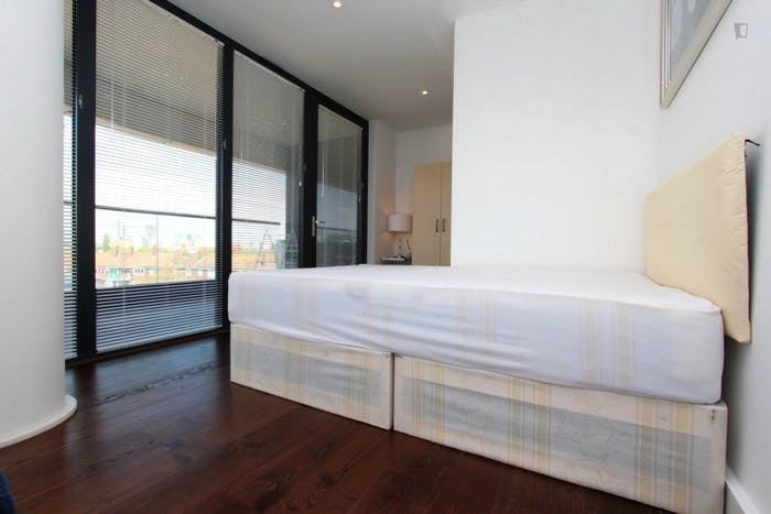 Unique double bedroom, with private balcony, in trendy Greenwich  - Gallery -  1