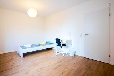 Cool single bedroom in a 4-bedroom apartment near Elbruchstraße transport station