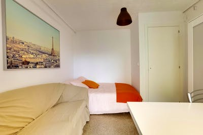 Sunny Single Bed Bedroom in Algirós, Valencia  - Gallery -  3