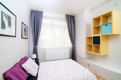 Dashing double bedroom in a student flat, near the Vítkov park
