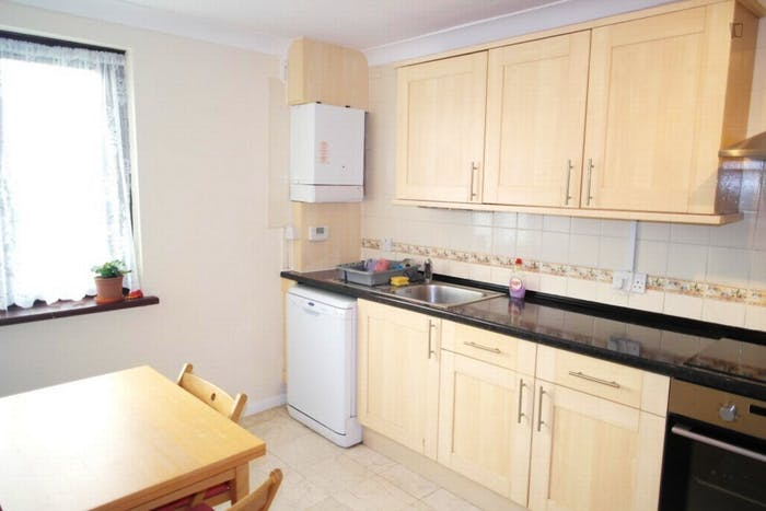 Very nice double bedroom in a 4-bedroom house, in Isle of Dogs  - Gallery -  6
