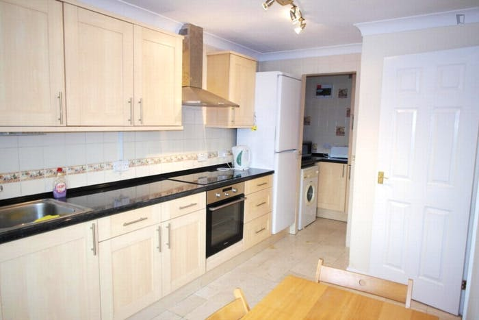 Very nice double bedroom in a 4-bedroom house, in Isle of Dogs  - Gallery -  7