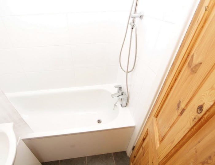 Welcoming double bedroom in the Mile End district  - Gallery -  8