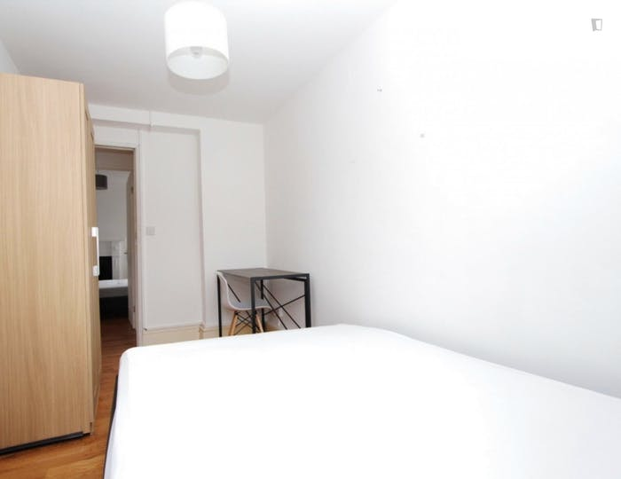 Welcoming double bedroom in the Mile End district  - Gallery -  2