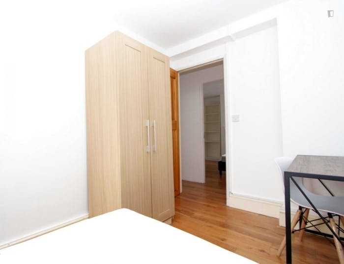Welcoming double bedroom in the Mile End district  - Gallery -  3