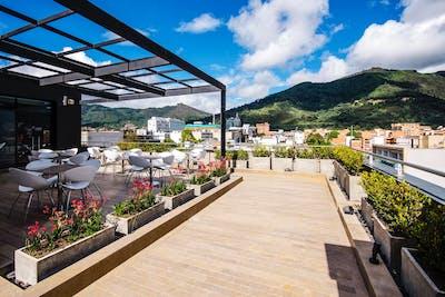 Luxury Modern Complex w/ Coworking + Roof Deck