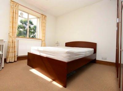 Tasteful double bedroom near the Primrose Hill park  - Gallery -  1