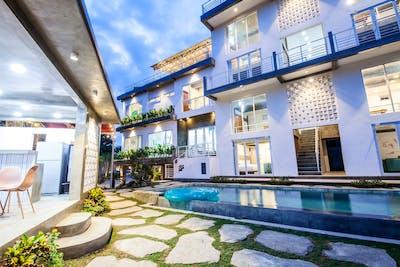 Peaceful Stunning Villa w/ Pool + Spa + Workspace