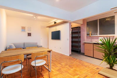 Comfortable Renovated Apt. w/ Workspace