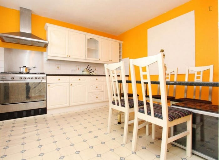 Wonderful double bedroom in a nice flat, near the Stratford train station  - Gallery -  5