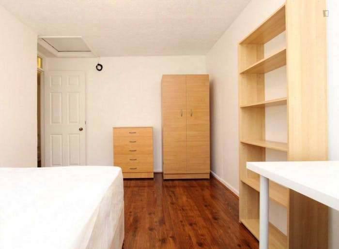 Wonderful double bedroom in a nice flat, near the Stratford train station  - Gallery -  3