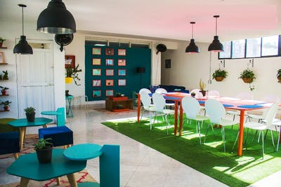 Stunning Spacious Complex w/ Coworking