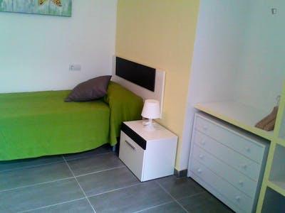 Homely single bedroom close to Universidad de Cádiz