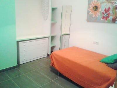 Friendly single bedroom close to Universidad de Cádiz