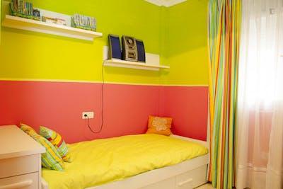 Modest single bedroom in Jerez de la Frontera