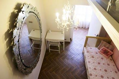 Twin bedroom with a mezzanine, near the Plaza de San Antonio