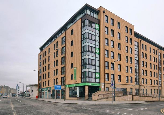 iQ Fountainbridge  - Gallery -  1
