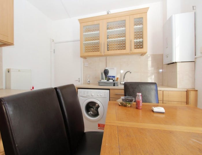 Very nice double bedroom near the Shoreditch High Street train station  - Gallery -  5