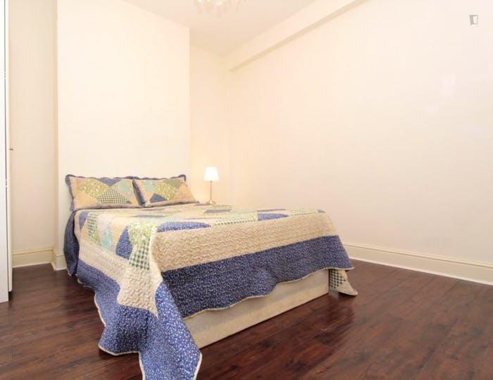 Well-lit double bedroom in Isle of Dogs  - Gallery -  4