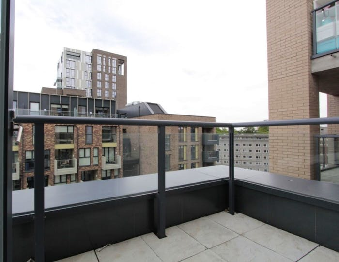 Unique double ensuite bedroom, with private balcony, in trendy Blackheath  - Gallery -  5