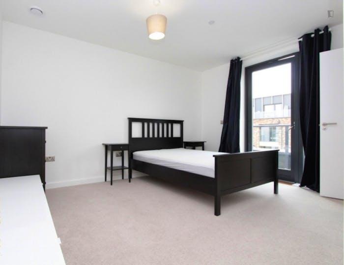 Unique double ensuite bedroom, with private balcony, in trendy Blackheath  - Gallery -  1