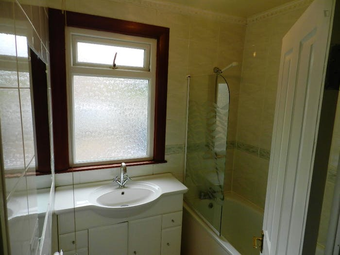 Very nice double bedroom near the Woodside Park tube  - Gallery -  6