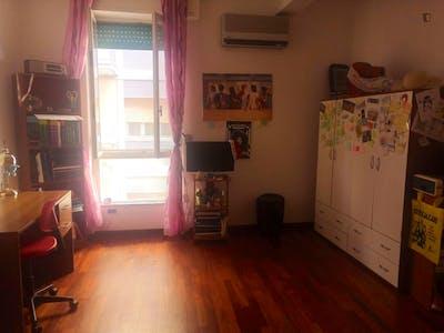 Single bedroom in a 3-bedroom apartment near Palazzo Libertini Scuderi
