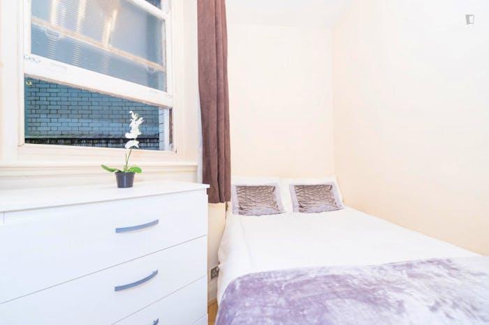 Very nice double bedroom near the Baker Street tube station  - Gallery -  3