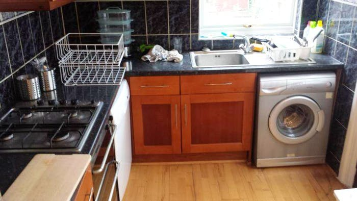 Very pleasant double bedroom near the Brent Cross tube  - Gallery -  2