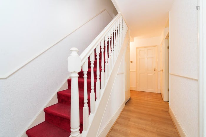 Welcoming double bedroom near the Marylebone train station  - Gallery -  9