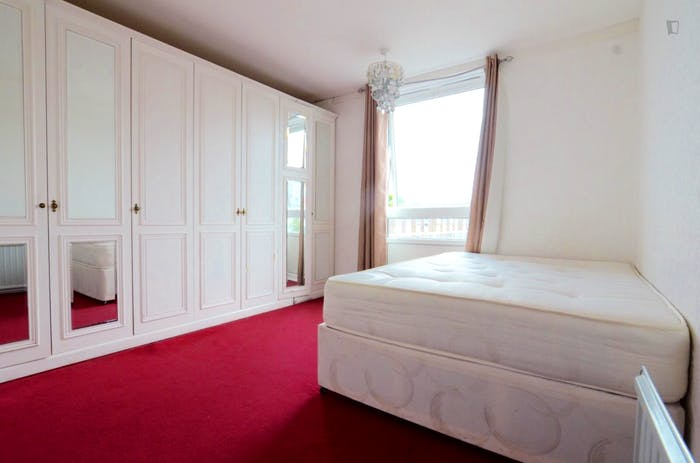 Welcoming double bedroom near the Marylebone train station  - Gallery -  2