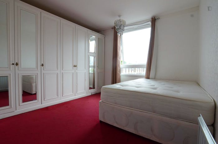 Welcoming double bedroom near the Marylebone train station  - Gallery -  1