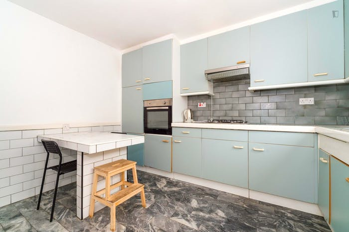 Welcoming double bedroom near the Marylebone train station  - Gallery -  3