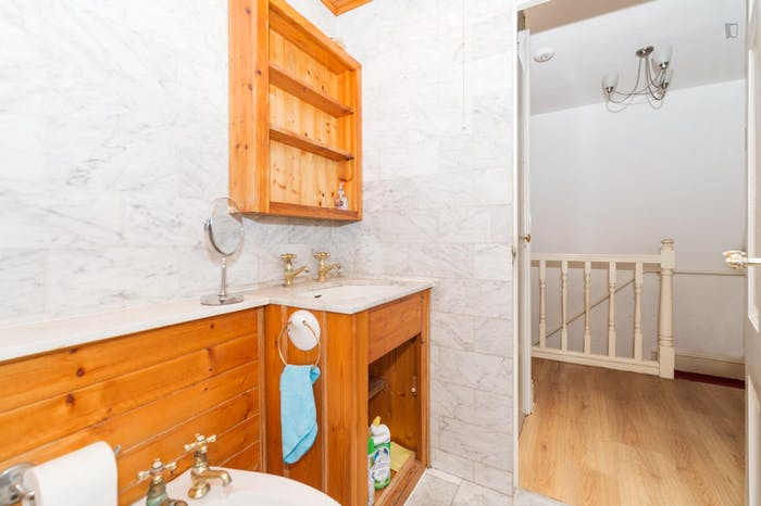 Welcoming double bedroom near the Marylebone train station  - Gallery -  6