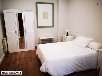 Fantastic double bedroom in the center of Santander, in 5-bedroom apartment