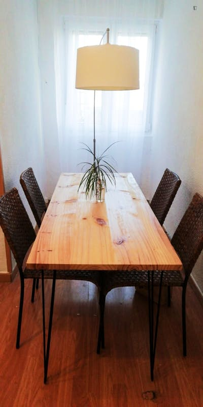 Lovely 3-double bedroom apartment at Santander's center