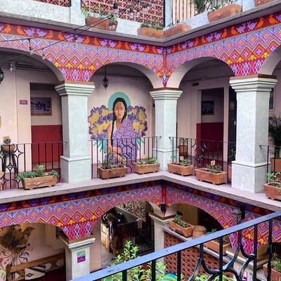 Bright Traditional House  w/ Terrace + Coworking + Bar