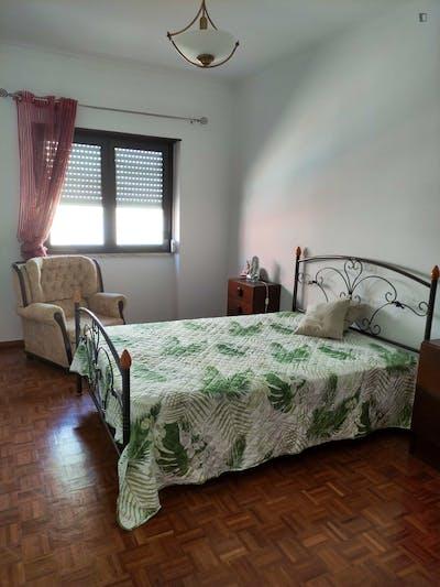 Interesting single bedroom in Pinheirinhos