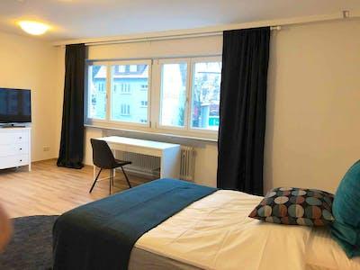 Neat single bedroom near the Schlachthof metro