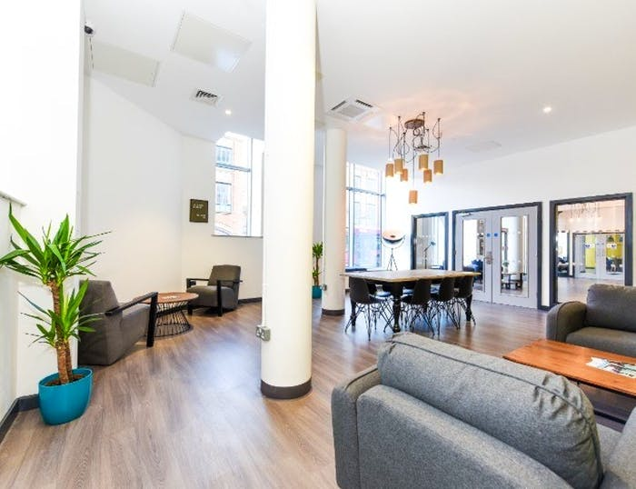 Swanston House Roost  - Gallery -  9
