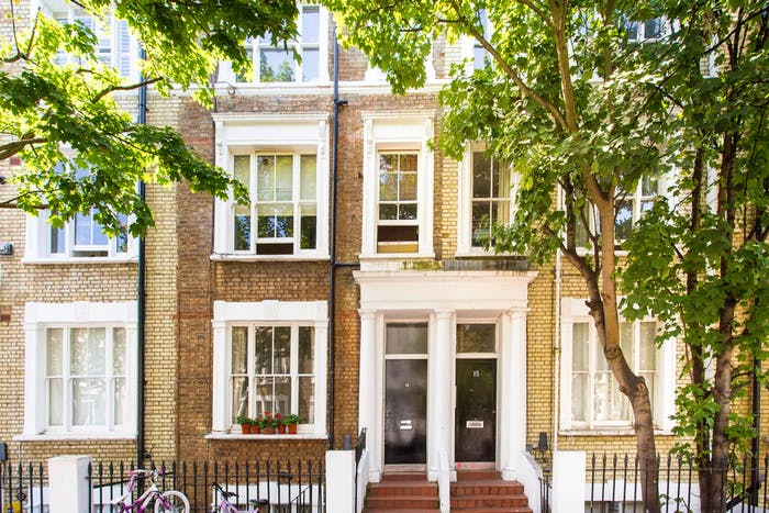 Very neat and bright 2-bedroom apartment in Kensington  - Gallery -  1