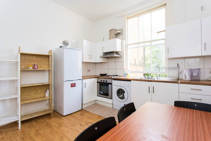 Very neat and bright 2-bedroom apartment in Kensington  - Gallery -  2